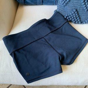 Lululemon blue boogie shorts Sz 6
